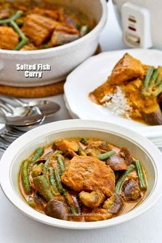 This Salted Fish Curry is an adaptation of the Nyonya version using freshly salted fish instead of dried salted fish. It is just as delicious! Curry Recipes, Fish Recipes, Vegetable Recipes, Seafood Recipes, Asian Recipes, Cooking Recipes, Asian Foods, Chinese Recipes, Chinese Food
