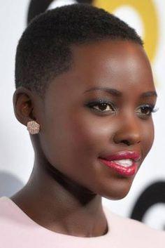 "Talk: Kenyan President Calls Oscar-Winning Beauty Lupita Nyong'o ""Pride of Africa"" She is so beautiful! Lupita Nyong'oShe is so beautiful! My Black Is Beautiful, Beautiful People, Beautiful Women, Simply Beautiful, Absolutely Stunning, Naturally Beautiful, Short Hair Cuts, Short Hair Styles, Beauty Skin"
