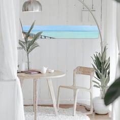 Caribbean Breeze I -In einem ganz besonderen Panoramaformat. Ich liebe minimalistische Fotografie und bin ständig auf der Suche nach geeigneten Motiven. In der Normandie in Frankreich fand ich diesen Pier, der mich mit seinem rostroten Geländer und dem grünen Meer sofort an die Strände und das Licht in der Karibik denken ließ. Die Farben und die wenigen Elemente des Bildes erzeugen eine ruhige Spannung, die zum Verweilen einlädt. Auch online erhältlich. . . . . #alexanderpalmphotography… Living Room And Kitchen Design, Blue Living Room Decor, New Living Room, Decor Interior Design, Interior Decorating, Craftsman Decor, Art Deco Decor, Inspired Homes, Minimalist Home