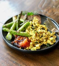Cafe Style Scrambled Tofu Breakfast Healthy Cafe, Tofu Breakfast, Dairy Free Breakfasts, Tofu Scramble, Egg Dish, Cafe Style, Recipes From Heaven, Along The Way, My Recipes