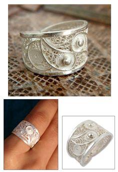 Silver filigree ring, 'Paisley Shine'