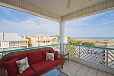 """Luxury Lodging for your Tybee Island, Georgia vacation.  """"13th Paradise"""" at OceanfrontCottage.com."""