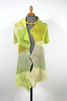 Wow Schal für den Sommer. Sommerstola, grün-gelbes Schultertuch, Unikat Short Sleeve Dresses, Dresses With Sleeves, Knitting Accessories, Fur, Beige, Etsy, Fashion, Summer Accessories, Shawl