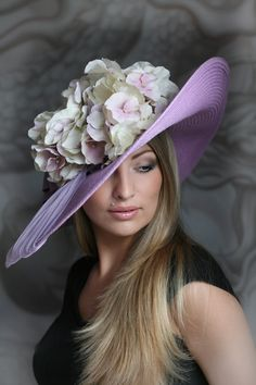 Wedding and evening hats by Anna Mikhaylova Fancy Hats, Cool Hats, Glamour, Derby Outfits, Cowgirl Outfits, Types Of Hats, Tea Party Hats, Mad Hatter Hats, Crazy Hats
