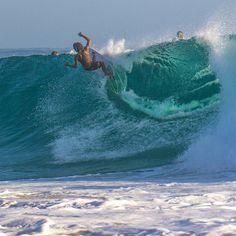 Good morning! Snapper Rocks a few days ago! #RainbowBay #SnapperRocks #GoldCoast #Surf #Surfing #Waves #Surfboard #Sea #Beach #Australia #Swell #GoldCoast4U #RedBull #WSL #VisitGoldCoast #AusFeels #Surfline #Sunset #Barrel #SurfingMagazine #IGWorldClub #IG_Australia #18SecondsMag #CoastalWatch #CoronaExtra_AU #Sonya6000 #SurfStitch #SonyAlpha by _joaodecarvalho_