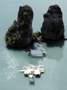 Floating movie theatre in Yao Noi, Thailand [5 Pictures]