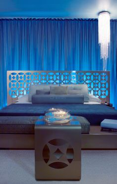 Dream South Beach - Miami Beach, Florida - A moody vibe defines all of the rooms (the Deluxe King, pictured). Colorful Decor, Colorful Interiors, South Beach Miami, Guest Bedrooms, Dream Rooms, Hotel Reviews, Coastal Living, Interior Design Inspiration, Trip Advisor