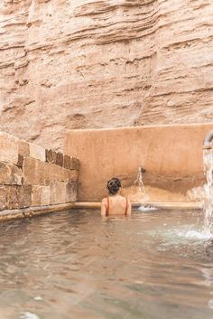 15 Top Things To Do In New Mexico from A Taste Of Koko. Walking with alpacas, glamping under the stars, and soaking in the natural hot springs - here are the top things to do in New Mexico! New Mexico Vacation, New Mexico Road Trip, Travel New Mexico, Vacation Song, New Mexico Camping, Tennessee Vacation, Italy Vacation, Cruise Vacation, Disney Cruise