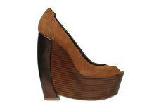 CONFESSION OF A SHOE ADDICT: Shoe Habits http://www.shoera.com/2012/08/05/confession-of-a-shoe-addict-shoe-habits/
