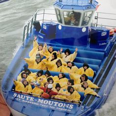Jet Boating & Rafting the Lachine Rapids Luxury Pontoon Boats, Fish Model, Montreal Canada, Boat Tours, Water Sports, Rafting, Amazing Places, Family Travel, Kayaking