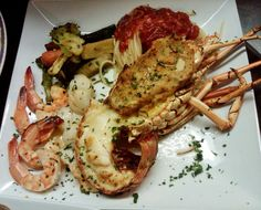Key Largo Italian Restaurant l DiGiorgio's Cafe Largo Florida Keys, South Florida, Key Largo Restaurants, Food, The Florida Keys, Essen, Meals, Yemek, Eten