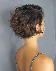 66 Chic Short Bob Hairstyles & Haircuts for Women in 2019 - Hairstyles Trends Short Curly Haircuts, Curly Hair Cuts, Curly Bob Hairstyles, Short Hair Cuts, Curly Hair Styles, Curly Short, Short Curls, Bob Haircut Curly, Girl Hairstyles