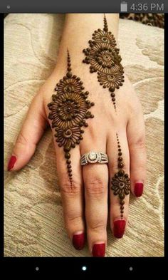 Explore latest Mehndi Designs images in 2019 on Happy Shappy. Mehendi design is also known as the heena design or henna patterns worldwide. We are here with the best mehndi designs images from worldwide. Henna Hand Designs, Mehndi Designs Finger, Mehndi Designs For Girls, Mehndi Designs For Beginners, Modern Mehndi Designs, Mehndi Designs For Fingers, Mehndi Design Images, Mehndi Designs 2018, Beautiful Henna Designs