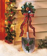 Holiday shovel cute! Site has a number of inexpensive items.