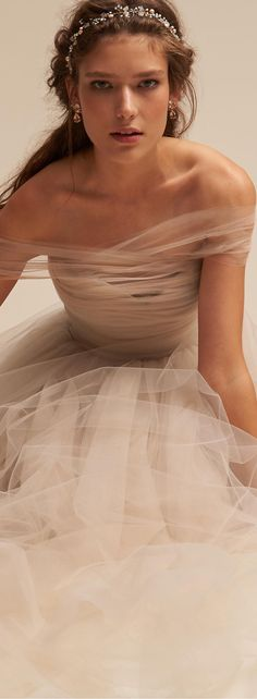 Gorgeous wedding gown | Wedding Ideas