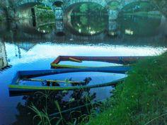 Boa noite :D Barcos semi-afundados no rio Vez em Arcos de #Valdevez numa fotografia captada faz exactamente hoje 2 anos - http://ift.tt/1MZR1pw -