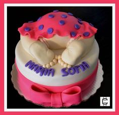FONDANT BABY SHOWER CAKE