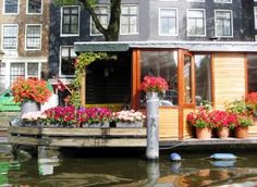 Houseboat - Esther