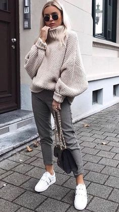 fall look halftime look casual look cold look ootd fall looks fall clothes fall outfit fall clothes casual look midi pants turtle sweater tennis outfit. Fall Outfits For Work, Casual Winter Outfits, Casual Fall, Winter Ootd, Winter Dresses, Winter Wear, Winter Outfits Casual Cold, Fall Outfits 2018, Winter Chic