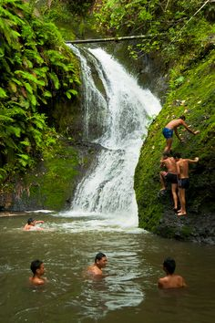 Wigmore's Waterfall (Rarotonga - Cook Islands) | Local kids enjoying Wigmore's…