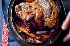 Hovězí hrudí s křenovou krustičkou a mrkvičkami Pork, Meat, Kale Stir Fry, Pork Chops