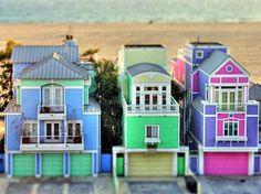 Adorable Beach Houses.
