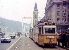 képet itt a síneken Update: itt nincsenek is sínek. My Town, Budapest Hungary, The Past, Places To Visit, Street View, Marvel, History, City, Landscapes