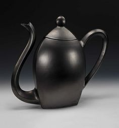 """Two Sides of Tea"", 1992, Michael Sherrill, hand-built ceramic 16 3/8 x 18 5/8 x 7 1/2 in. (41.5 x 47.4 x 18.9 cm), Smithsonian American Art Museum, Gift of MCI, 2001.89.5.1A-B"