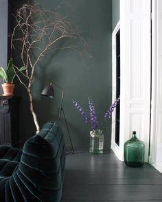 Décor Sombre épuré Plus de découvertes sur Déco Tendency.com #deco #design #blogdeco #blogueur