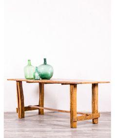 Mesa Antigua Rústica De Madera De Fresno  #decoracion #mueble #vintage #restauracion #tiendaonline #mobiliario #antiguedades #decoration #hogar #casa #interior #diseñodeinteriores #decoraciondeinteriores #home #ideasdecoracion #design #diseñodeinteriores #muebles Entryway Tables, Furniture, Home Decor, Home, Country Style Furniture, Antique End Tables, Benchtop Lathe, Cheap Furniture, Rustic Table