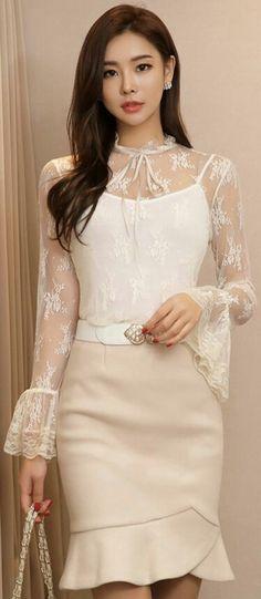 StyleOnme_Flounced Tulip Hem Wool Blend Skirt - Sites new Korean Fashion Work, Asian Fashion, Fashion Beauty, Girl Fashion, Fashion Dresses, Womens Fashion, Elegant Outfit, Classy Dress, Classy Outfits