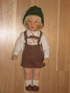 alte-Kaethe-Kruse-Puppe-Friedebald-US-Zone-1957-mit-Originalkleidung