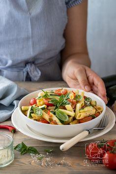 Chilli, Penne, Kung Pao Chicken, Bruschetta, Ethnic Recipes, Food, Per Diem, Meals, Yemek