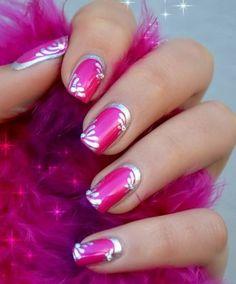 Silver pink nails art