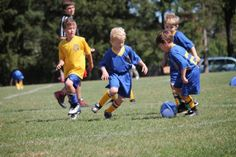 Trening dzieci w piłce nożnej • Zabawa i radość w treningu piłkarskim dla dzieci • Piłka dla dzieci • Rady dla trenera piłki nożnej >>