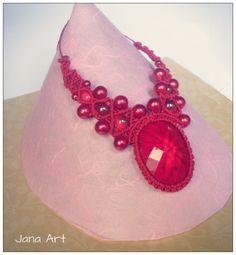 Macramè necklace with stone. https://facebook.com/artelien