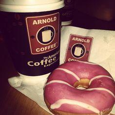 Tarde lo he descubierto #ArnoldCoffee con @m_harina @roduher :) - @kriisty14- #webstagram