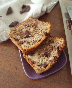 Banana bread d'automne au chocolat et noix Afternoon Snacks, Tea Time, Banana Bread, Cake, Desserts, Food, Overripe Bananas, Basket Of Fruit, Chocolates