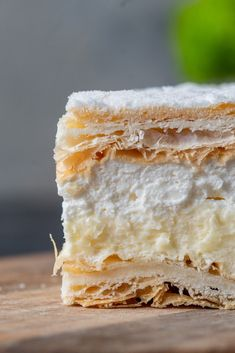 Kremowka - the best Polish dessert? - Papal cream cake or kremowka is one of the best Polish desserts ever. A smooth vanilla custard fill - French Puff Pastry, French Pastries, Just Desserts, Delicious Desserts, Health Desserts, Custard Filling, Vanilla Custard, Vanilla Cream, Cream Cake