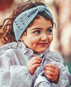 cute baby girl – How To Grasp Cute Baby Boy Images, Cute Baby Pictures, Baby Girl Photos, Cute Babies Photography, Children Photography, Cute Little Baby Girl, Cute Girls, Kids Girls, Cute Baby Girl Wallpaper