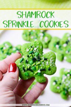 Sugar Cookie Dough, Sugar Cookies, Cookies Et Biscuits, St Patrick's Day Cookies, Kinds Of Cookies, Sprinkle Cookies, Cobbler, Cookie Recipes, Cookies