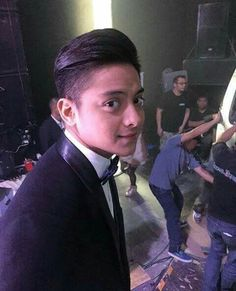 could u stop staring at me like that lalo akong naiinlove  Daniel Johns, John Ford, Daniel Padilla, Young Actors, Queen Of Hearts, Man Alive, King Queen, No One Loves Me, My Dad