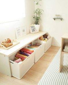 Como deve ser uma estante Montessori do quarto infantil? Kids Furniture, Furniture Design, Deco Studio, Multipurpose Furniture, Japanese Interior, Trendy Home, Baby Room Decor, Diy Storage, Creative Storage