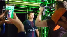 Instagram needed to create content worthy of being shared by Paris Saint-Germain F.C football players to promote the launch of Instagram Stories in France. #Instagramstories #SocialMedia #Marketing #Production