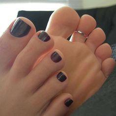 Nice Toes, Pretty Toes, Feet Soles, Women's Feet, Girl Soles, Cute Toe Nails, Teen Feet, Foot Pics, Beautiful Toes