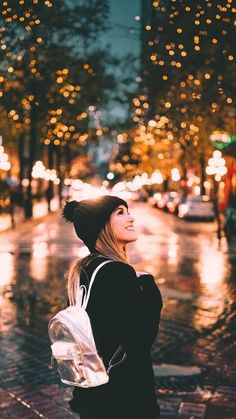 Trendy Photography Inspiration Girl Posing Ideas Lighting photography is part of Winter photography - Poses Photo, Portrait Photography Poses, Bokeh Photography, Portrait Poses, Winter Photography, Night Photography, Creative Photography, Amazing Photography, Street Photography