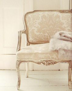 damask french chaise