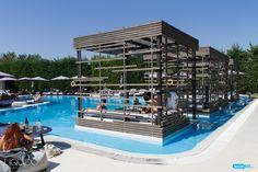 Εσείς, έχετε απολαύσει τη μοναδική εξυπηρέτηση στα Liquido in-pool cabanas; Κάντε έγκαιρα την κράτησή σας στο 231 047 4474 και ζήστε μια χαλαρωτική, luxe εμπειρία…
