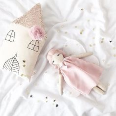 Those simple things in life are the one  who count today tomorrow and for all those childhood memories you are creating daily! Have you seen our secret cottahe and fairy doll? They are part of this simple things that can tell endless stories ✨