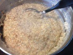 Saftiga grötbullar med kross | söndagsfika.se Oatmeal, Breakfast, Breakfast Cafe, Rolled Oats, The Oatmeal, Overnight Oatmeal
